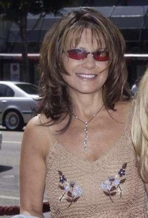 Britney Spears era drogada por su agente, según su madre