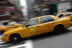 <p>Immagine d'archivio di un taxi a New York. REUTERS/Eric Thayer (UNITED STATES)</p>
