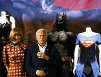"""<p>Lo stilista Giorgio Armani (d) e la direttrice di Vogue America Anna Wintour alla presentazione di """"Superheroes: Fashion And Fantasy"""" a Milano. REUTERS/Stefano Rellandini</p>"""