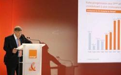 <p>Le P-DG de France Telecom, Didier Lombard. Le groupe français a confirmé ses objectifs pour 2008, notamment ses indications données sur les activités fixes en France pour 2008 qui devraient être stables. /Photo prise le 6 février 2008/REUTERS/Benoît Tessier</p>