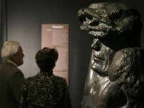 <p>Immagini della controversa mostra austriaca. L'area della msotra dedicata a Pier Paolo Pasolini. . REUTERS/Heinz-Peter Bader</p>