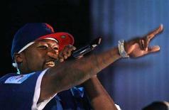 <p>50 Cent durante un concerto a Bucharest. REUTERS/Mihai Barbu (ROMANIA)</p>
