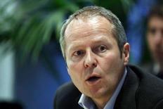 <p>Le P-DG d'Ubisoft, Yves Guillemot, n'anticipe pas de pic du marché mondial des jeux vidéos avant au moins 2010 ou 2011. /Photo d'archives/REUTERS/Keith Bedford</p>