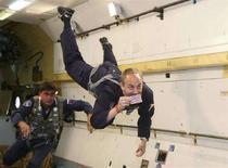 <p>Un turista spaziale prende parte a un volo a gravità zero, l'8 luglio del 2008. REUTERS/Sergei Remezov (Russia)</p>