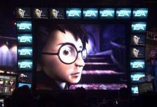 <p>Electronic Arts reporte à l'été prochain son dernier jeu vidéo Harry Potter pour s'aligner sur le retard pris par la sortie au cinéma du prochain épisode de la saga. /Photo d'archives/REUTERS</p>