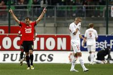 <p>Pagis do Rennes comemora gol em partida contra o Lyon. Mickael Pagis marcou três vezes na vitória do Stade Rennes sobre o Olympique Lyon, que perdeu a primeira no Campeonato Francês, por 3 x 0, neste domingo. 5 de outubro.REUTERS/Stephane Mahe (FRANCE)</p>