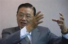 <p>Главный представитель Тайваня по взаимоотношениям с Китаем П.К.Чиан дает интервью в Тайбэе, 9 октября 2008 года Глава общественной организации из КНР, ратующей за укрепление связей с Тайванем, впервые встретится с президентом острова, что станет знаком дальнейшего налаживания отношений между Китаем и отколовшимся от него регионом, сообщил представитель Тайбэя. REUTERS/Nicky Loh (TAIWAN)</p>