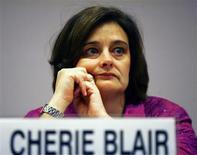 """<p>Cherie Blair, mulher do ex-primeiro-ministro britânico Tony Blair, em um evento na índia, no dia 13 de janeiro de 2008. Depois de dez anos como mulher de um primeiro-ministro britânico, sendo """"vista mas não ouvida"""", Cherie Blair decidiu que era hora de contar sua história, depois de seu marido, Tony, deixar o cargo, em junho de 2007. REUTERS/B Mathur (INDIA) (Newscom TagID: rtrphotosthree317835) [Photo via Newscom]</p>"""