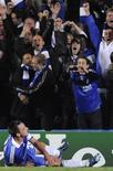 <p>O zagueiro John Terry, do Chelsea, comemora gol marcado contra a Roma na Liga dos Campeões. 22 de outubro.REUTERS/Toby Melville (BRITAIN)</p>