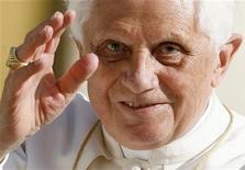 <p>Papa Benedetto XVI REUTERS/Dario Pignatelli (VATICAN)</p>