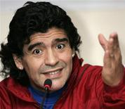 <p>O ex-jogador argentino Diego Maradona em coletiva de imprensa em Tbilisi. Diego Maradona, idolatrado por milhões de argentinos por sua brilhante carreira no futebol, não está tendo aceitação popular para seu novo emprego como técnico da seleção argentina. 23 de outubro.REUTERS/David Mdzinarishvili/Files</p>