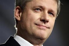 <p>Canada's Prime Minister Stephen Harper speaks during a news conference in the foyer of the House of Commons on Parliament Hill in Ottawa October 30, 2008. REUTERS/Blair Gable</p>