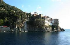 <p>A general view of Gregoriou Monastery in Orthodox monastic community of Mount Athos October 22, 2008. REUTERS/Daniel Flynn</p>