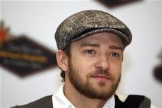<p>Justin Timberlake poses for a photo during a news conference at TPC Summerlin in Las Vegas, Nevada, October 15, 2008. REUTERS/Las Vegas Sun/Steve Marcus</p>