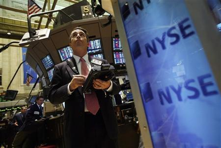 A trader works on the floor of the New York Stock Exchange, November 20, 2008. REUTERS/Shannon Stapleton