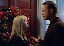 """<p>Reese Witherspoon and Vince Vaughn in a scene from Warner Bros.' seasonal comedy """"Four Christmases"""". REUTERS/Handout</p>"""
