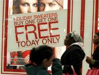 "<p>Shoppers make their way through Roosevelt Field Mall during ""Black Friday"" in Garden City, New York November 28, 2008. REUTERS/Shannon Stapleton</p>"