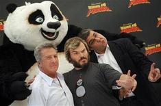 """<p>U.S. actors Dustin Hoffman and Jack Black pose with Spanish voice actor Florentino Perez during a photocall to promote the animated film """"Kung Fu Panda"""" in Madrid June 24, 2008. REUTERS/Susana Vera</p>"""