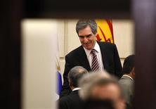 <p>Liberal Member of Parliament Michael Ignatieff talks with caucus members following a meeting on Parliament Hill in Ottawa December 10, 2008. REUTERS/Chris Wattie</p>
