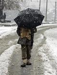 <p>Prima nevicata della stagione a Srinagar, in India. REUTERS/Fayaz Kabli</p>