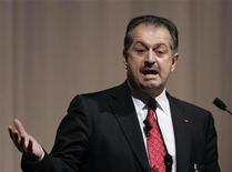 <p>Dow Chemical Company Chief Executive Officer Andrew Liveris delivers a speech at the Global Management Forum in Tokyo October 27, 2008. REUTERS/Yuriko Nakao</p>