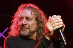 """<p>Singer Robert Plant performs during the """"Hommage a Ahmet Ertegun"""" show at the 40th Montreux Jazz festival in Montreaux in this June 30, 2006 file photo. REUTERS/Dominic Favre</p>"""