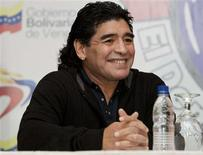 <p>Maradona, em visita à Venezuela, não poupou elogios a Hugo Chávez. REUTERS/Carlos Garcia Rawlins (VENEZUELA)</p>