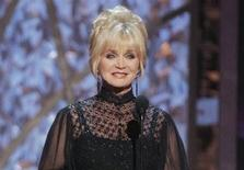 <p>Barbara Mandrell at the 40th Country Music Association Awards in Nashville, November 6, 2006. REUTERS/Tami Chappell</p>