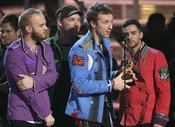 """""""Viva la Vida"""" ชนะรางวัลแกรมมี่ในเพลงประจำปี"""