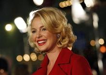 "<p>Actress Katherine Heigl poses at the premiere of the movie ""Marley & Me"" at the Mann Village theatre in Westwood, California December 11, 2008. The movie opens in the U.S. on December 25. REUTERS/Mario Anzuoni</p>"