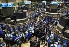 <p>Traders work on the floor of the New York Stock Exchange, February 11, 2009. REUTERS/Brendan McDermid</p>