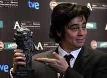 """<p>O ator Benicio del Toro, vencedor do Oscar e do prêmio espanhol Goya por sua atuação em """"Che, o argentino"""", em Madri, no dia 1o de fevereiro de 2009. REUTERS/Juan Medina (ESPANHA)</p>"""