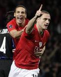 <p>Nemanja Vidic, do Manchester United, celebra gol na vitória sobre a Inter de Milão, por 2 x 0, nesta terça-feira, garantindo vaga nas quartas-de-final da Liga dos Campeões, nesta terça-feira. REUTERS/Max Rossi</p>