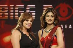 <p>Bollywood actress Shilpa Shetty (R) and Jade Goody, the former British reality show contestant, pose for a picture in Mumbai August 17, 2008.REUTERS/Handout</p>