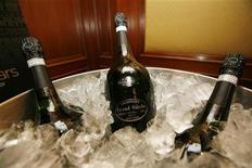<p>Bottles of Grand Siecle Champagne sit in ice during the unveiling of dishes and decor that will be at the Oscar Party for New York members of the Academy of Motion Picture Arts and Sciences in New York February 14, 2007. REUTERS/Lucas Jackson</p>