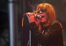 <p>Singer David Johansen of the legendary punk rock band New York Dolls performs on the mainstage at the 35th annual Bumbershoot Seattle Arts Festival September 2, 2005. REUTERS/Anthony P. Bolante</p>