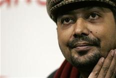 """<p>Movie director Anurag Kashyap poses during a photo call to present his movie """"No Smoking"""" at the Rome International Film Festival October 24, 2007. REUTERS/Dario Pignatelli</p>"""