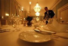 <p>A waiter in a file photo. REUTERS/File</p>