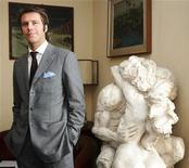 <p>Emanuele Filiberto of Savoy poses in Milan March 13, 2008. REUTERS/Daniele La Monaca</p>