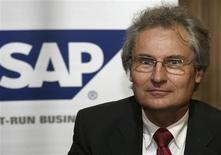<p>Henning Kagermann, coprésident du directoire de SAP. Le groupe allemand fait état d'une baisse de 8% de son bénéfice d'exploitation au premier trimestre, alors que le marché attendait une hausse, en raison de la chute du chiffre d'affaires de sa principale activité, les logiciels. /Photo d'archives/REUTERS/Fahad Shadeed</p>