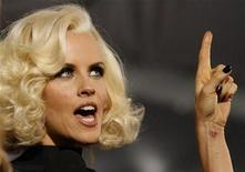 """<p>Jenny McCarthy gestures as she is interviewed at the premiere of the movie """"Yes Man"""" at the Mann Village theatre in Westwood, California December 17, 2008. REUTERS/Mario Anzuoni</p>"""