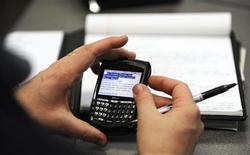 <p>Rim annuncia nuovo BlackBerry in cantiere. REUTERS/Dave Kaup</p>