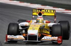 <p>Piloto da Renault de Fórmula 1 Fernando Alonso da Espanha em Montmelo. 09/05/2009. REUTERS/Dani Cardona</p>