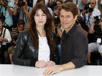 """<p>Cast members Willem Dafoe (R) and Charlotte Gainsbourg pose during a photocall for the film """"Antichrist"""" by Director Lars Von Trier at the 62nd Cannes Film Festival May 18, 2009. REUTERS/Eric Gaillard</p>"""