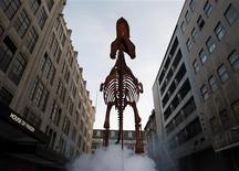 """<p>Um Tiranossauro Rex em tamanho real, chamado """"Rexy"""" do novo filme """"Uma Noite no Museu 2"""". 21/05/2009. REUTERS/Stephen Hird</p>"""