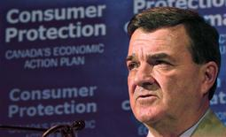 <p>Canadian Finance Minister Jim Flaherty announces new credit card rules at a news conference in Toronto, May 21, 2009. REUTERS/Peter Jones</p>