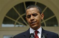 <p>President Barack Obama pauses during remarks about North Korea in the Rose Garden at the White House in Washington, May 25, 2009. REUTERS/Jonathan Ernst</p>