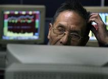 <p>Un utente cinese REUTERS/David Gray</p>
