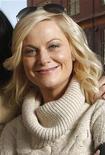 """<p>Foto de archivo de la actriz estadounidense Amy Poehler del filme """"Spring Breakdown"""" mientras posa durante el Festival de Cine Sundance, en Park City, Utah, 15 ene 2009. La actriz y comediante Amy Poehler ocupará el rol principal de """"Lunch Lady"""", un largometraje de Universal basado en la próxima serie de novelas gráficas para niños escrita e ilustrada por Jarrett Krosoczka. REUTERS/Danny Moloshok/Archivo</p>"""