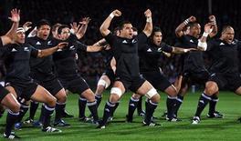 <p>La squadra neozelandese di rugby All Blacks. REUTERS/Phil Walter/Pool</p>